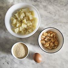 Patate lesse e gamberetti saltati