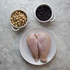 spiedini di pollo, ceci e riso nero