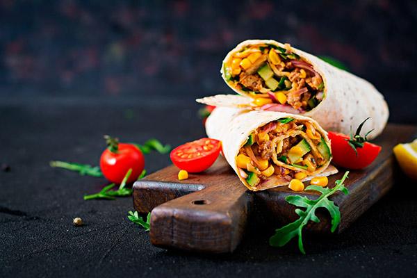 Burritos grigliati con maiale pollo bovino