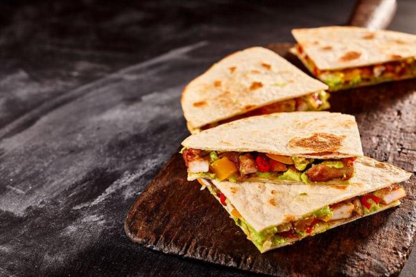 quesadillas messicane con carne o pesce