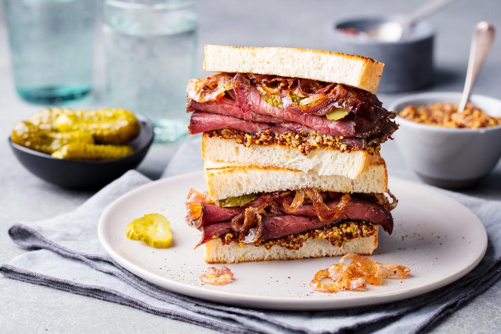 ricetta sandwich senape di digione e pastrami