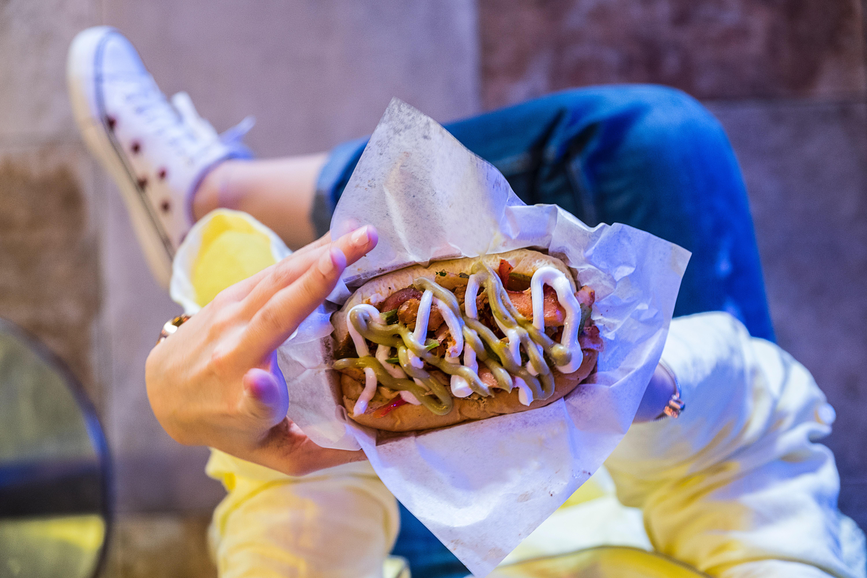 Panino street food con salse