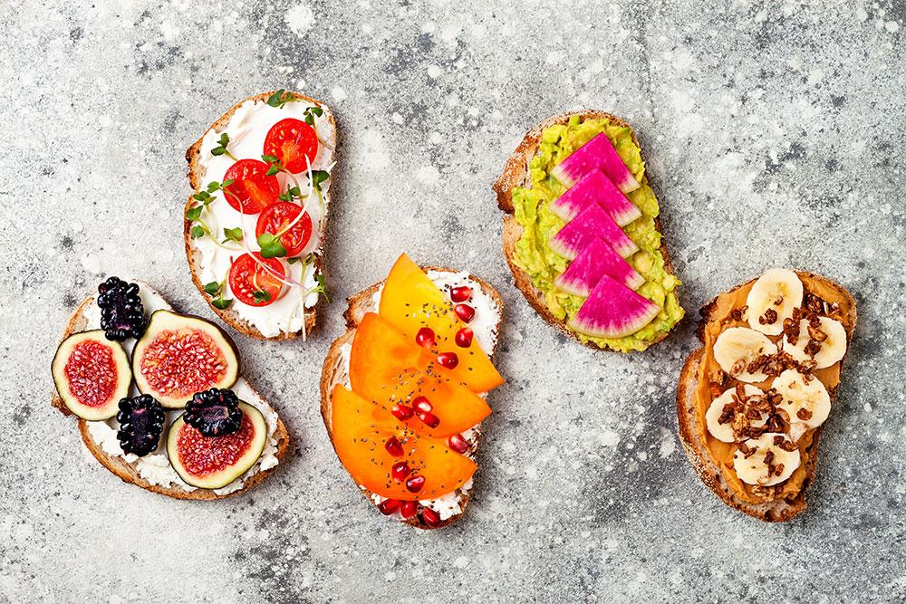 stuzzichini vegani con frutta e ingredienti dolci