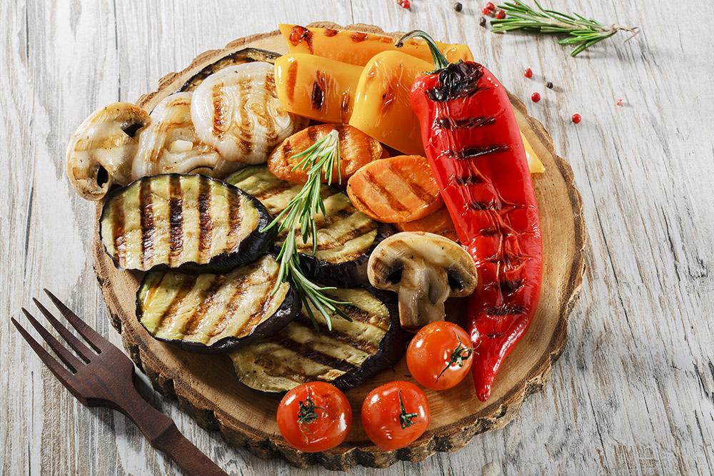 peperoni, zucchine melanzane, pomodorini e carote grigliate