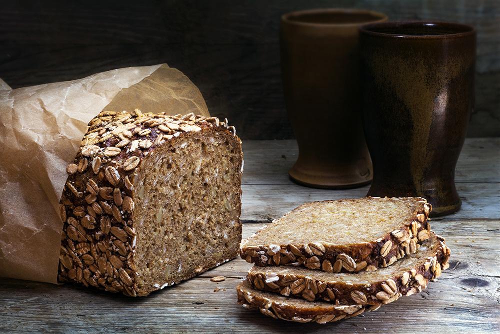 pane di avena e segale integrale ai cereali