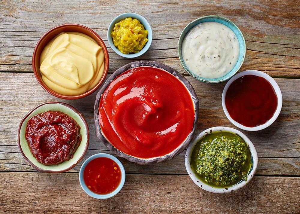 mix di salse: ketchup, senape, maionese, barbecue
