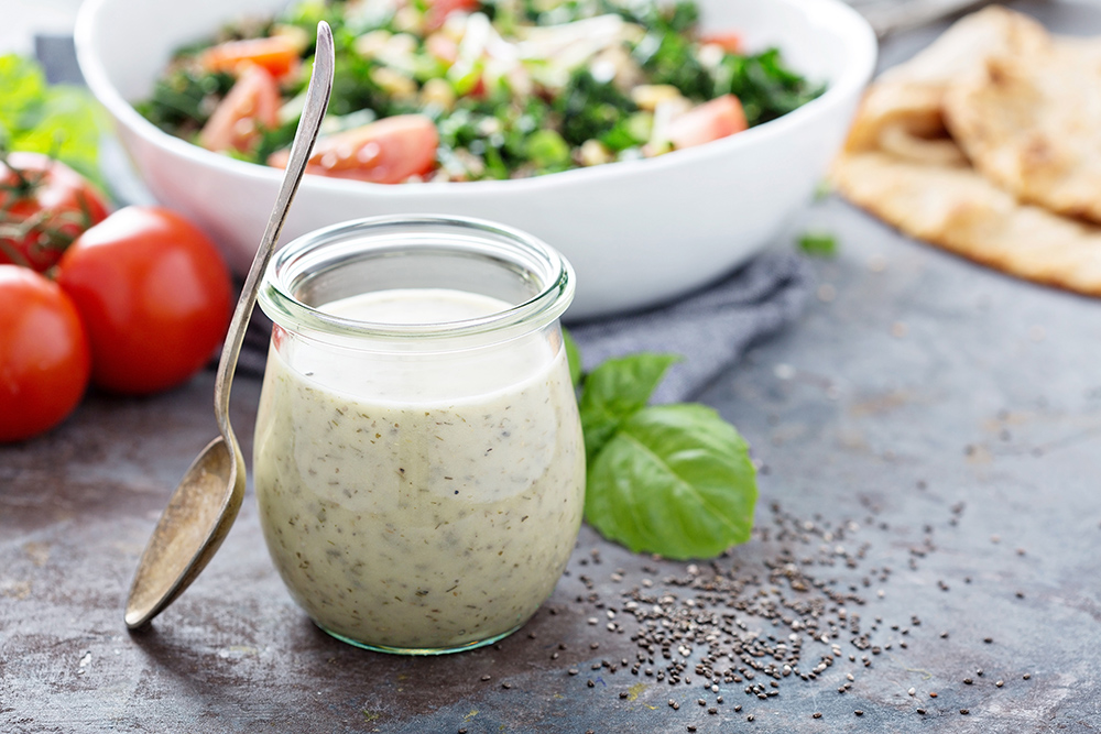 dressing con yogurt per insalate