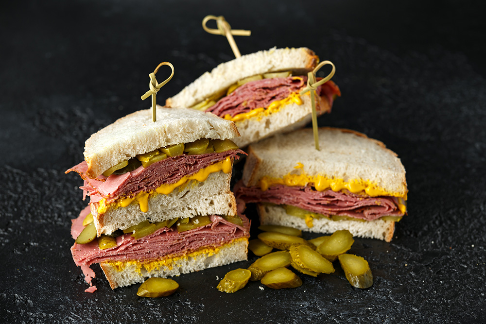panino con pastrami - street food new york