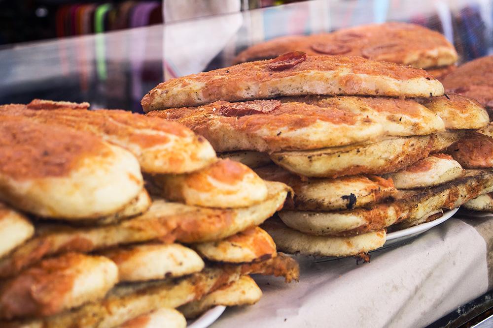 sfincione siciliano street food