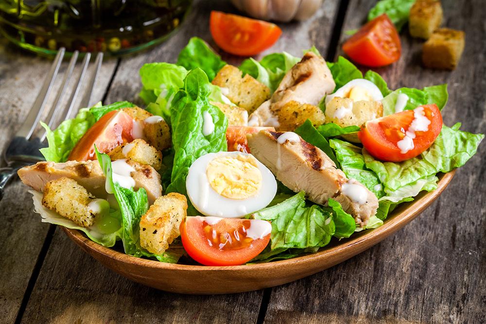 caesar salad con salsa