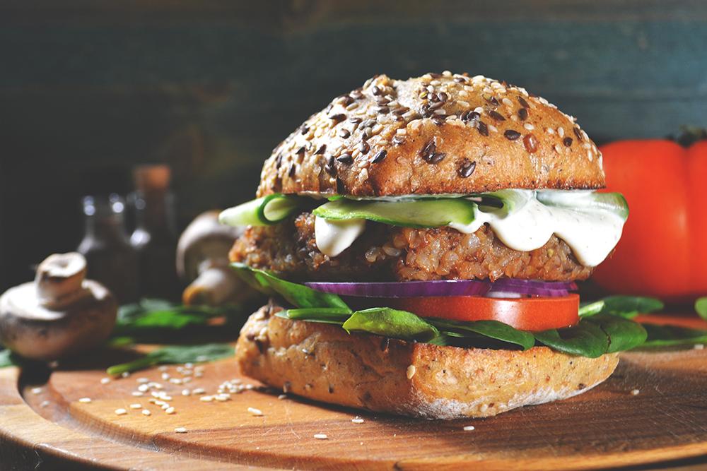 hamburger vegano con maionese