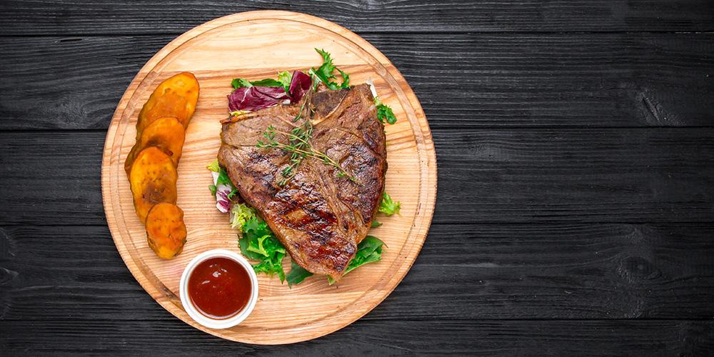 bistecca con salsa barbecue