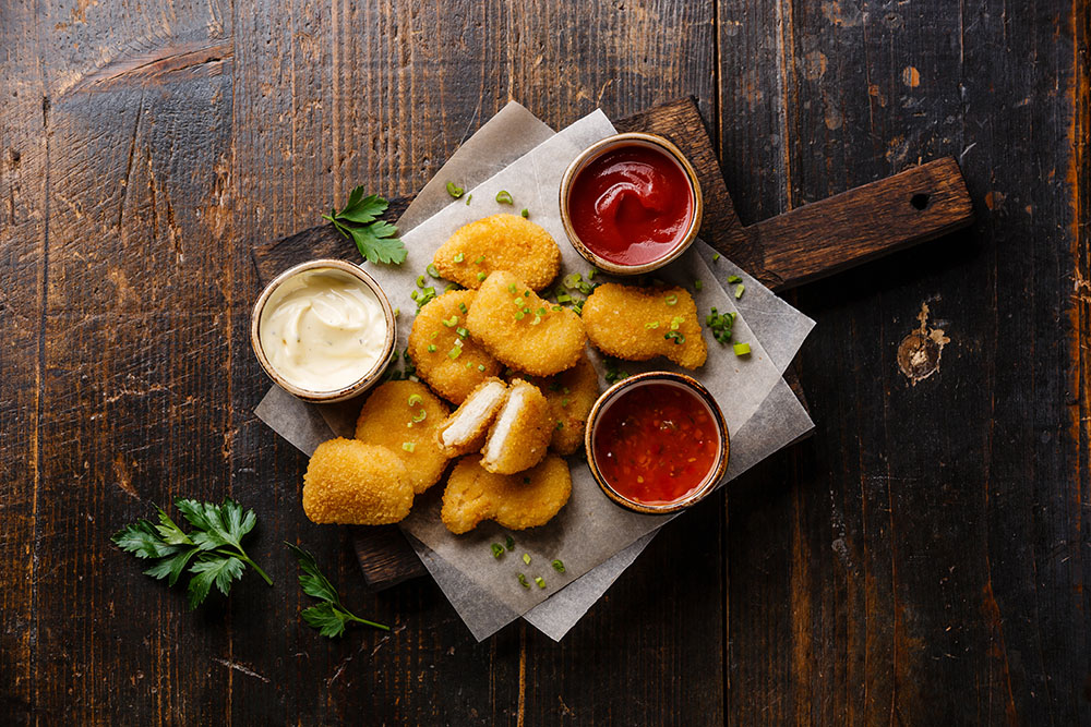 nuggets di pollo con salse per apericena